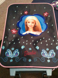 Barbie suitcase  extendable handle and good rolling wheels  in g Kitchener / Waterloo Kitchener Area image 1