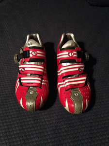 Pearl Izumi clipless road bike shoes