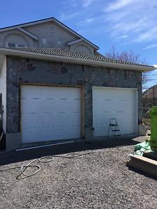 Porte de garage 9' x 8'