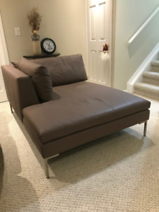 Luxury Leather Chaise Lounge