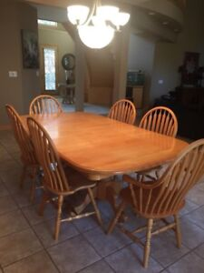 Solid Maple Dining table and 6 chairs
