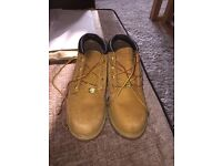 Size 4 women's timberland boots
