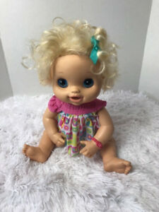 HASBRO BABY ALIVE 2010 DOLL BLONDE PEES POOPS TALKS REAL SURPRIS
