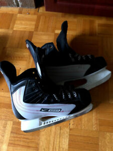 NIKE/BAUER  SKATES. SIZE 10. GREAT CONDITION. BARELY USED.