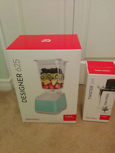 Brand New Blendtec Designer 625 Blue with Twist Jar