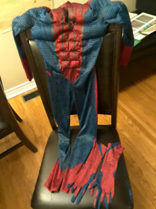 Spider man suit and gloves boys size med (7-8)