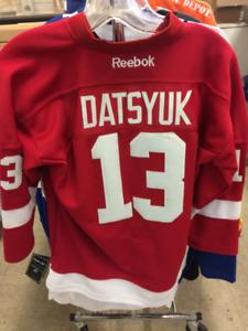 pavel datysuk youth hockey jersey  large/xlarge