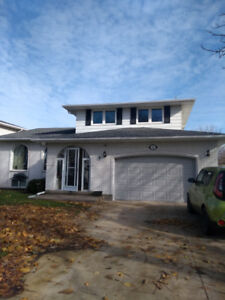 House for sale st Catharines 599,000