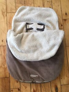 Baby car seat cover blanket like new