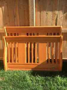 Beautiful Wood Nursery Furniture Set Cambridge Kitchener Area image 1