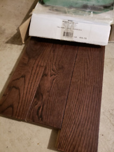 Oak Walnut Hardwood Floors Brand New Total Coverage 195sqft
