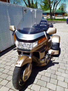 TRIKE Gold Wing GL1500 excellente condition