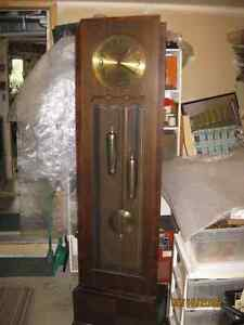 grandfather clock 1920s, in excellent condition