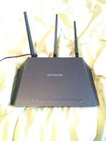 netgear nighthawk router AC1900. (Paid 200$)