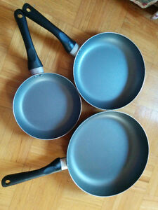 Lightly used fry pans - Set of three - $10 only
