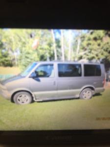 2004 Chevrolet Astro Minivan, Van