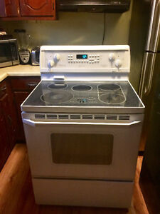 Limited Editi *WHIRLPOOL* GlassTop Stove (FREE DELIVERY & More!)