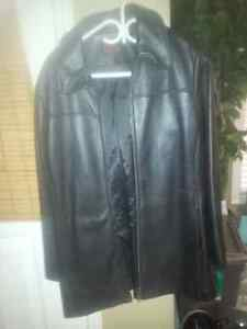NEW beautiful Danier Leather jacket