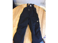 Descente black snow sports trousers salopettes