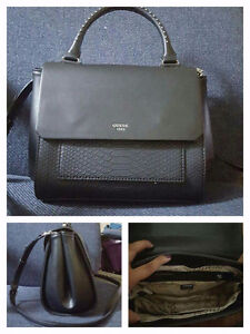Guess bag with long strap