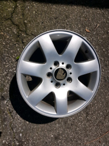 Set of BMW 325i rims will fit other cars