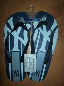 NEW : SMALL SIZE LARGE  NEW YORK YANKEES SANDALES MLB FLIP FLOP