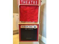 Tidlo Shop and Theatre