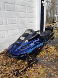 ski doo grand touring 700 1500$ négo