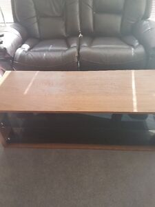 Great TV table/TV stand