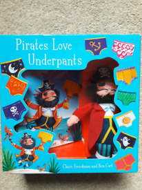 Pirates Love Underpants gift set