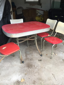 Retro 1940's Style Chrome and Red Dining Set(Table and 4 Chairs)
