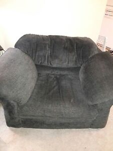 Tepperman's Loveseat and Chair London Ontario image 2