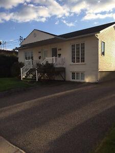 Maison à louer à jonquiere Saguenay Saguenay-Lac-Saint-Jean image 1