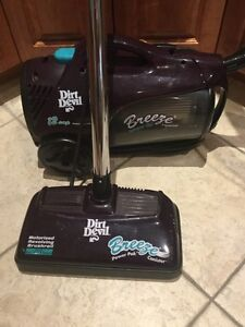 Dirt Devil 12amp Canister Vacuum with Motorized Brushroll West Island Greater Montréal image 1