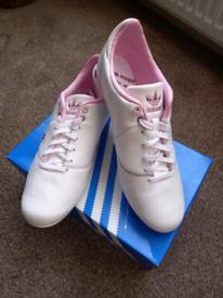 Ladies Adidas Easyrun Shoes. U.K. 7