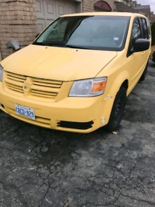 2010 Dodge Caravan Stow and go