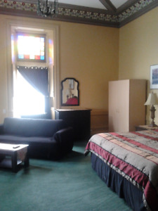 Central, Clean, Quiet, Furnished Room for Rent - Aug 1