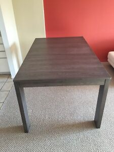 Dinning table 6 person negotiable 300$