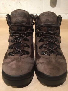 Kids Columbia Waterproof Omni Tech Winter Boots Size 5.5 London Ontario image 5