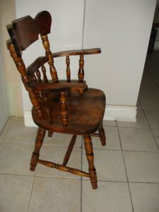 Solid wood Single oak chair with armrest