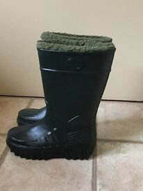 Thick lined wellies
