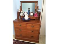 Chest of drawers with inbuilt mirror
