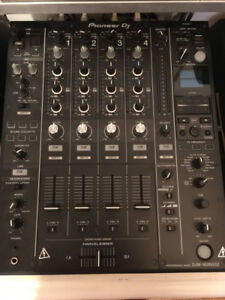 Pioneer DJ DJM-900NXS2 DJ Mixer Mint Like New Condition cdj