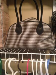 Women's Fred perry purse!