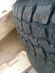 4 Winter tires 195-65-R15 Saxon Snowbilizer