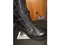 Magnum army boots