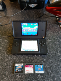 Nintendo ds lite in vgc 4 games