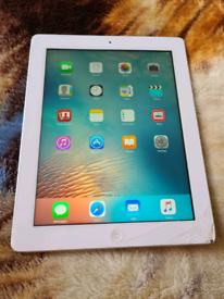 IPAD 3RD GEN / 16GB MEMORY/ as cracked screen/ fully working million %