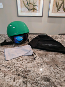 Ski/Snowboard Helmet & Goggles - Mint Condition!