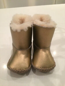 infant ugg boats xs 0-6 months